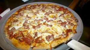 Moon Dog Tavern_Indianapolis, IN_Sausage and Pepperoni Pizza