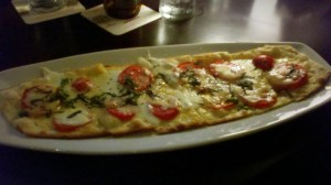 Matt the Miller's Tavern_Classic Margherita Flatbread