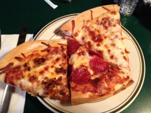 Bugsy's Pizza Restaurant & Sports Bar in Alexandria, VA_Pizza from the Buffet