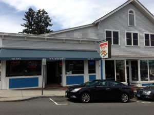 Mystic Pizza in Mystic, CT_Outside