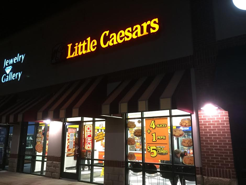 overall rating across 36 reviews. Trying to find a Little Caesars in the state of Oregon? Have no fear; we've compiled a list of all the OR Little Caesars locations. Simply click on the Little Caesars location below to find out where it is located and if it received positive reviews/5(36).